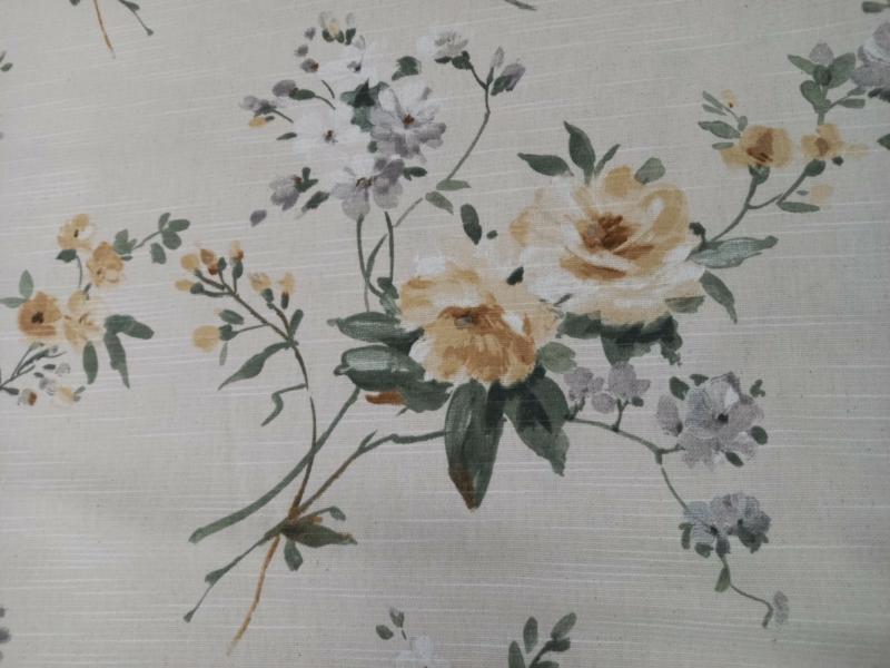 Vintage sárga rózsás